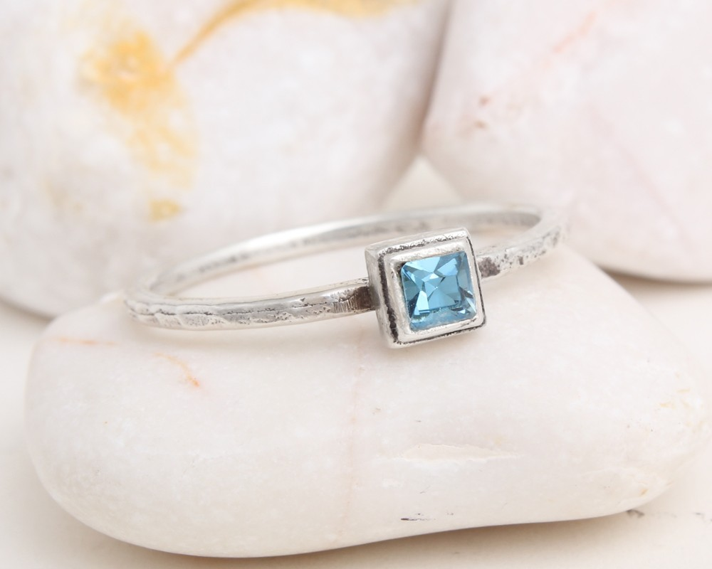 single birthstone ring in sterling silver