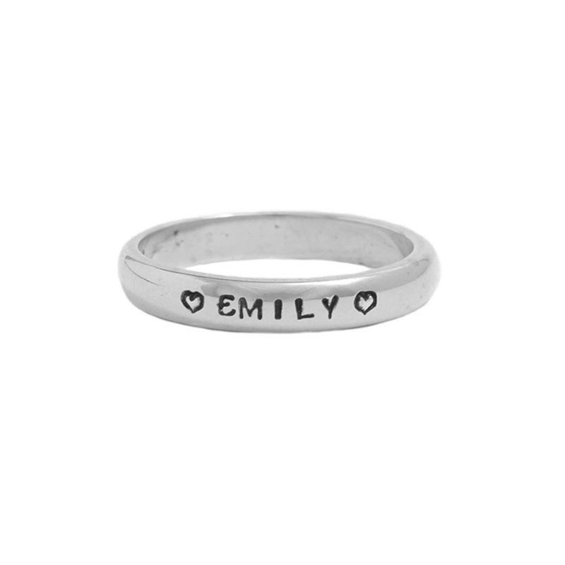 single name band ring for grandmothers or mothers