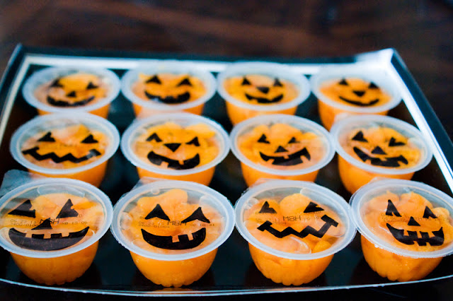Easy pumpkin snack for a Halloween party