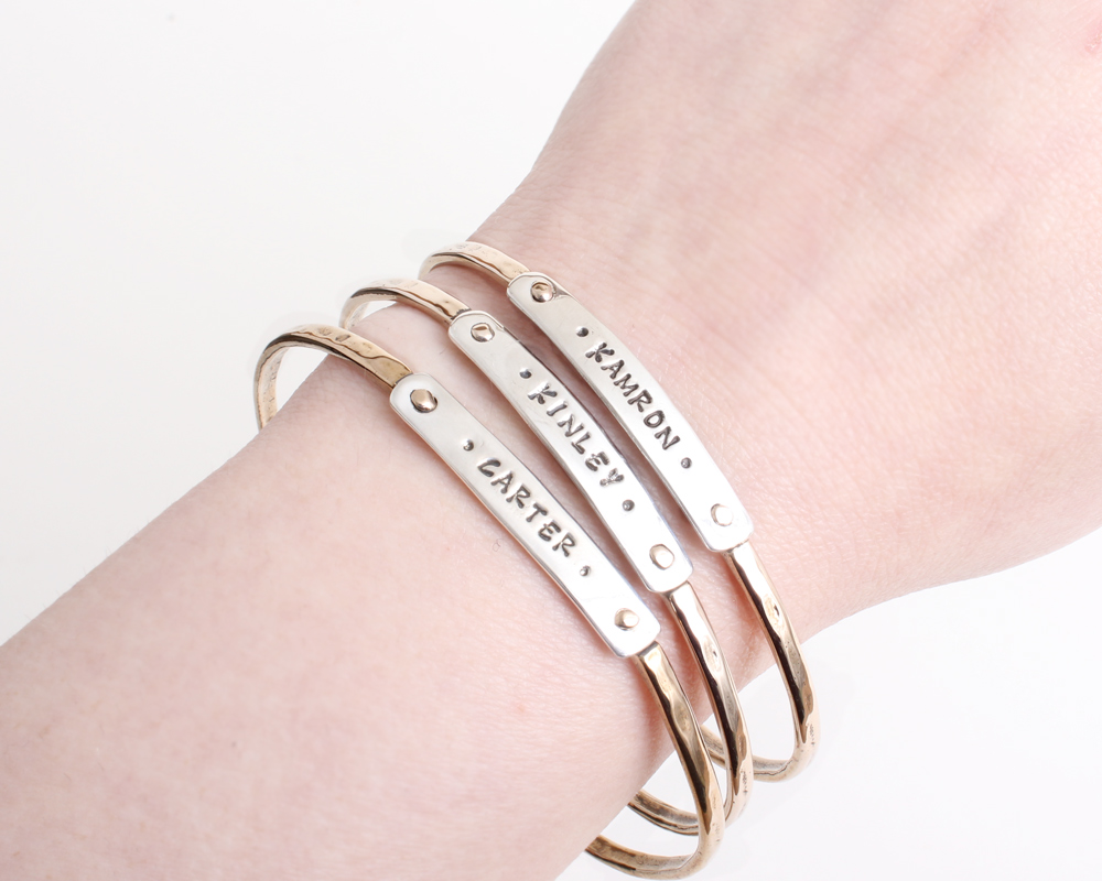 bracelets with names for mom